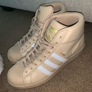 Adidas superstars- low ankle high
